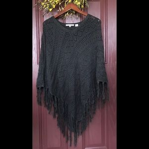 eight eight eight BLACK SHAW / PONCHO SWEATER